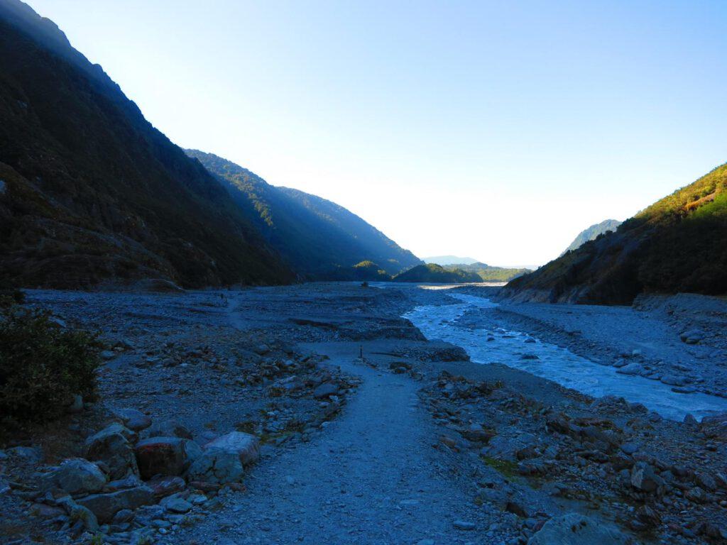 Wanderweg zur Gletscherzung des Franz Josef Gletschers.