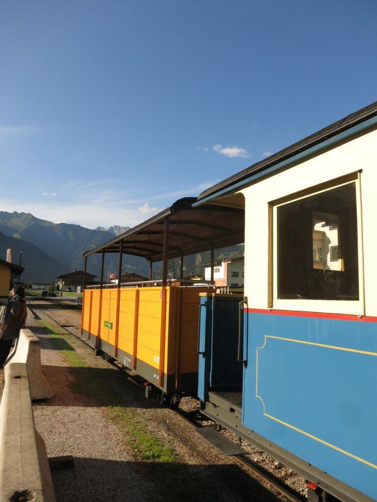 Fahrt mit der alten Zillertalbahn
