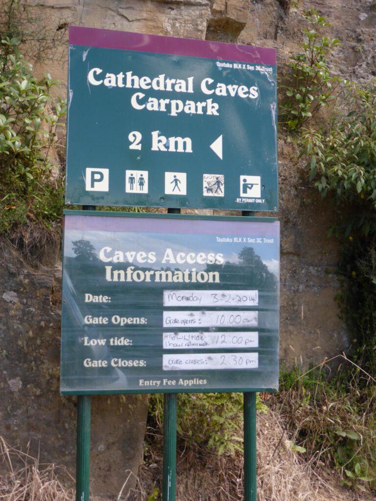 Ebbe- und Flutzeiten an den Cathedral Caves Neuseeland