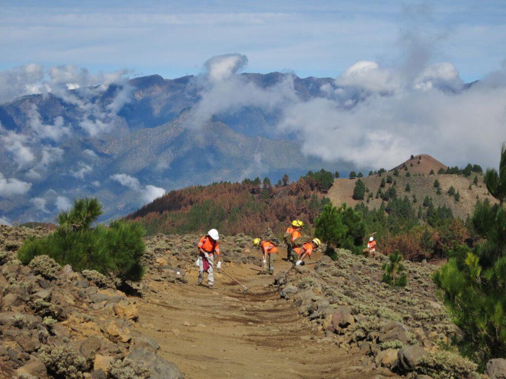 Putztrupp auf dem Vulkan